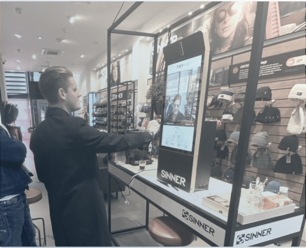 TRYME virtual try-on mirror in the SINNER store, Amsterdam.